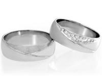 060-porocna-prstana-z-diamanti-in-prevleko-iz-crnega-rodija