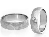 108 - Poročna prstana z diamanti