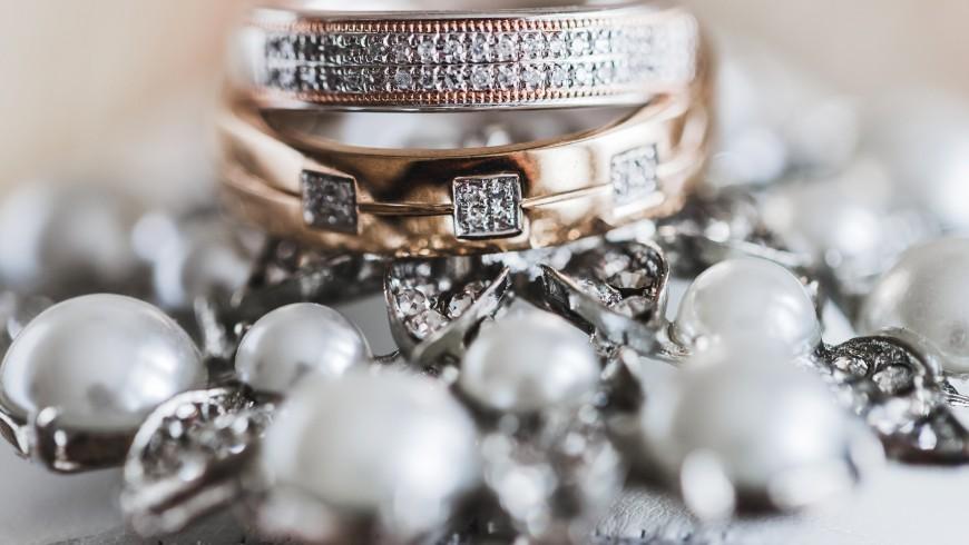 Cena zaročnih prstanov